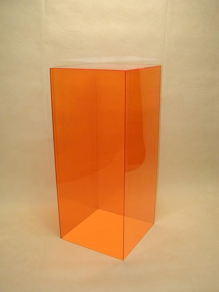 Dans les yvelines techni plast fa onne le plexiglas ce plastique pmma qui permet de - Plexiglass sur mesure ...